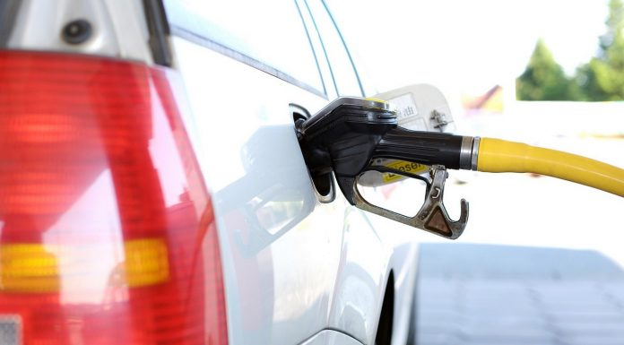 https://pixabay.com/en/refuel-petrol-stations-gas-pump-2157211/